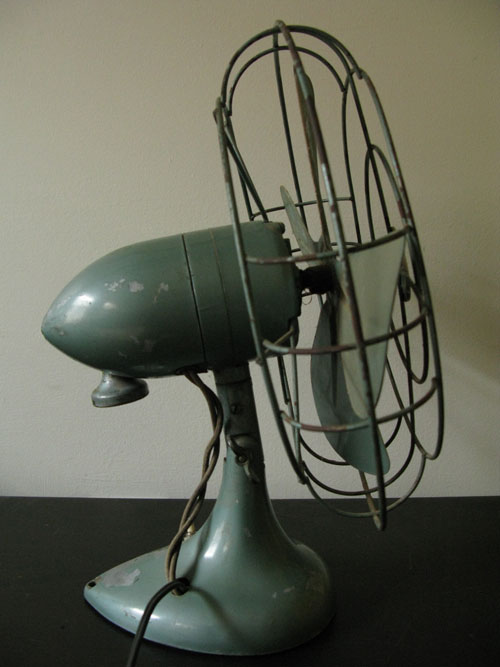 Vintage Original SINGER Electric Fan- WORKS Nice desk fan blows 1 speed,  does not oscillate. Primarily green, wear comensurate with age. - Fans